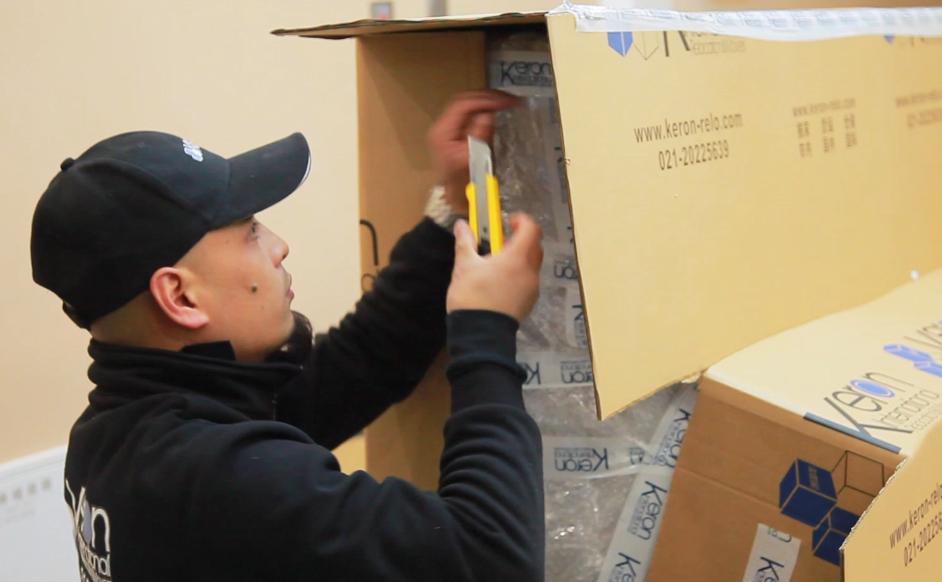十年专注,成就专业搬家及仓储服务 Moving & Storage Since 2010